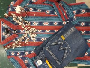 Clothing layout of shirt, jewelry and shoes that can be acquired tax free weekend 2021